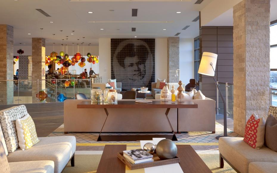 HOTELART0615-the-alexander-hotel